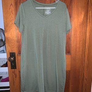 Short Sleeve V-Neck Dress With Pockets